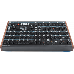 Novation Peak - Vue 2