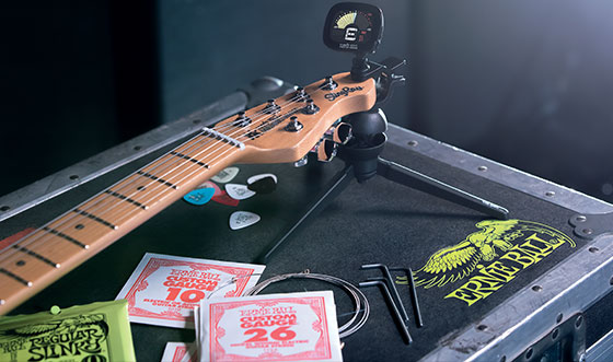 Pourquoi changer les cordes d'une guitare ?